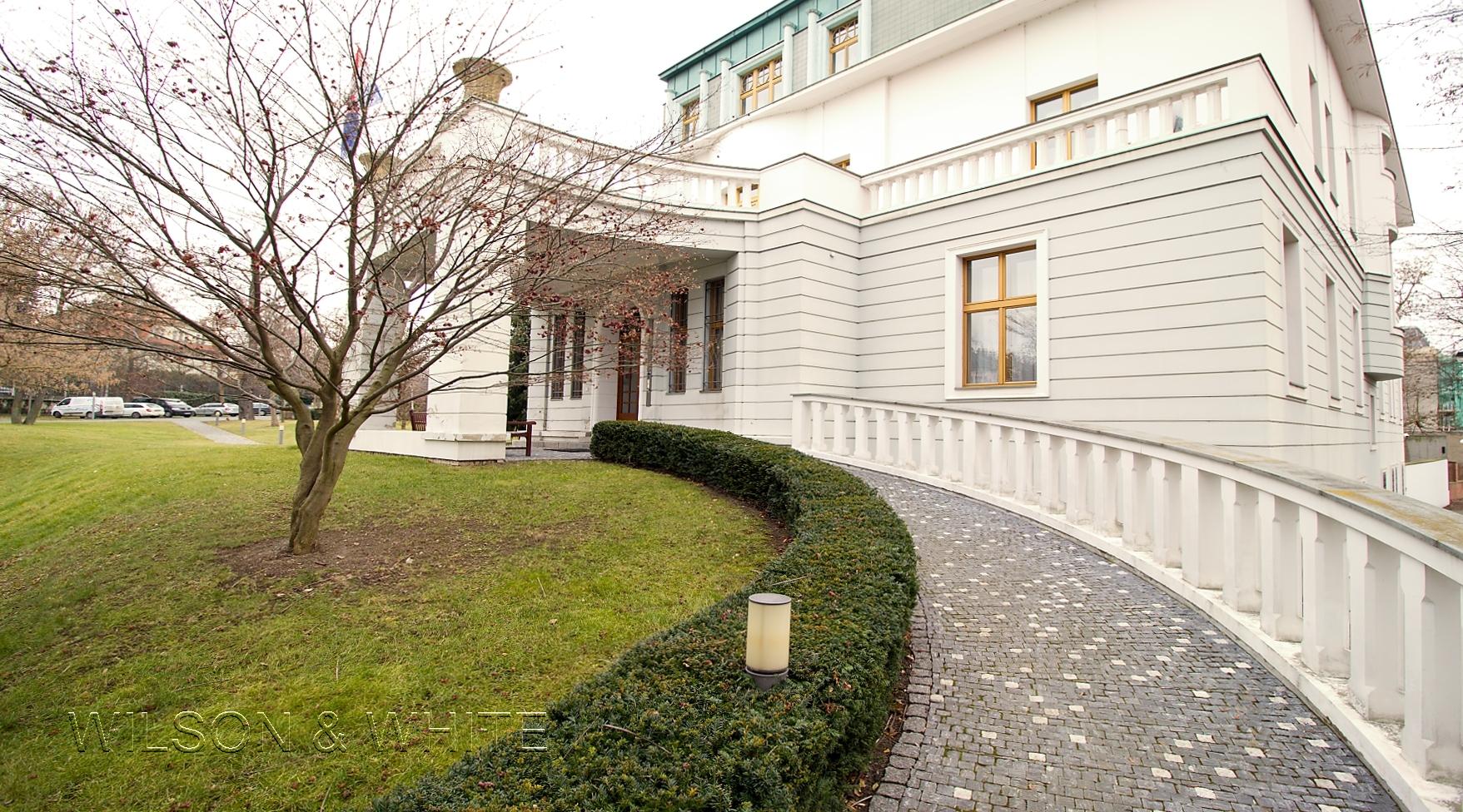 Villa Bianca dum