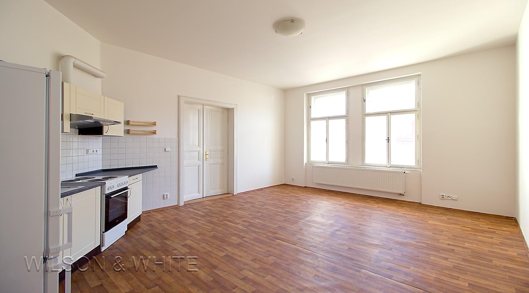 obývací pokoj a kuchyn